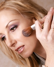 use a foundation that closely matches your skin color to achieve the most natural look